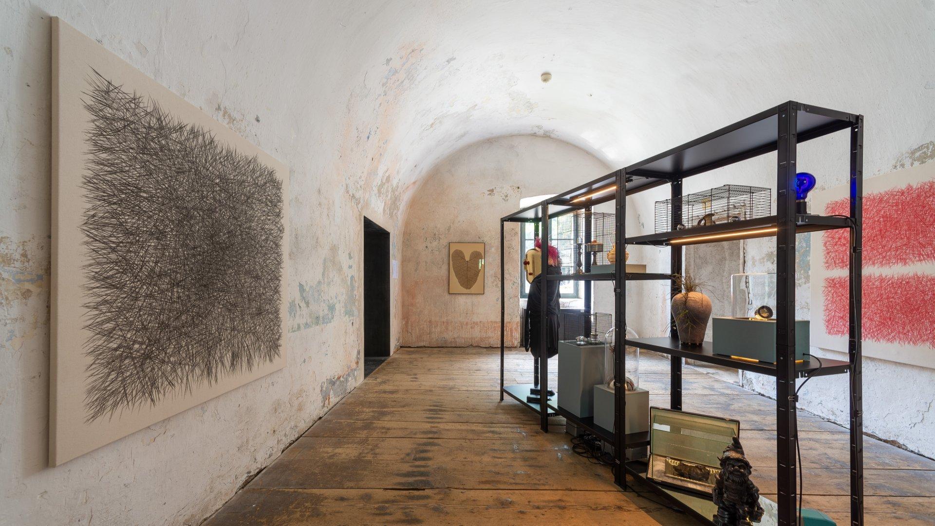 ExperimentalSetup_Festung_franzenfeste2021_hic_sunt_dragones_Austellungsansicht4